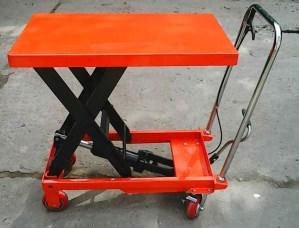 xe nâng mặt bàn TT500