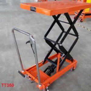 xe nâng mặt bàn TT350